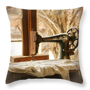 Old Sewing Machine Throw Pillow