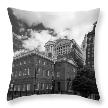 Old State House 15568b Throw Pillow