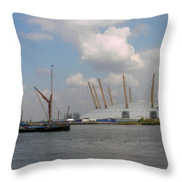 On The Thames Throw Pillow