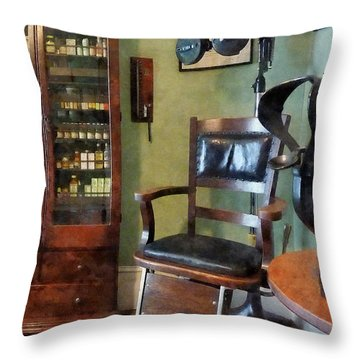 Optometrist - Eye Doctor's Office Throw Pillow