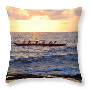 Outrigger Canoe At Sunset In Kailua Kona Throw Pillow