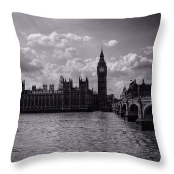 Over Westminster Bridge Throw Pillow