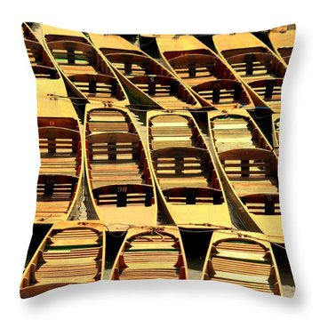 Oxford Punts Throw Pillow