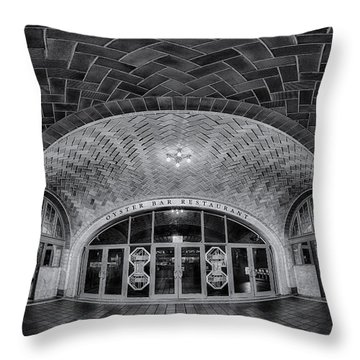 Oyster Bar Bw Throw Pillow by Susan Candelario