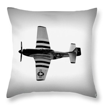 P51 King Of The Skies Throw Pillow
