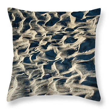 Patterns In Sand 1 Throw Pillow