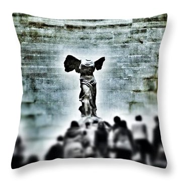 Pause - The Winged Victory In Louvre Paris Throw Pillow