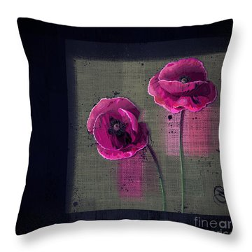 Pavot - S1c12j033036161bl1 Throw Pillow