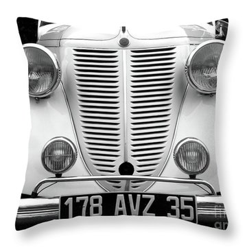 Perfect Bw Throw Pillow by Newel Hunter