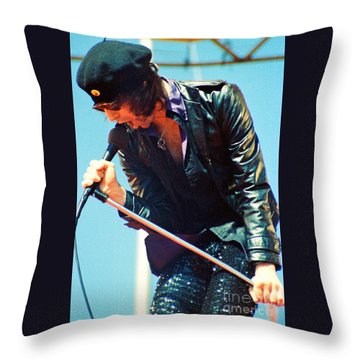 Peter Wolf From J Geils Band - Day On The Green July 4th 1979 Throw Pillow