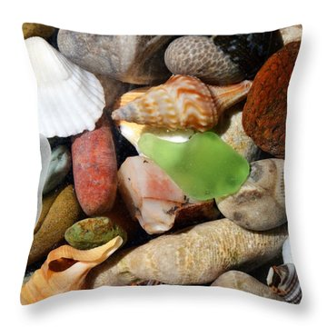 Petoskey Stones L Throw Pillow