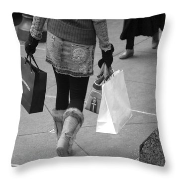 Philly Mon Amour - Waterworks Throw Pillow