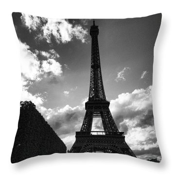 Photo Obligitoire Pour Tous Les Throw Pillow