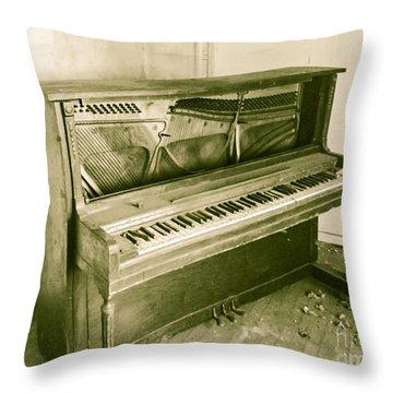Piano 2 Throw Pillow