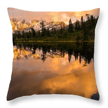 Picture Lake 1 Throw Pillow