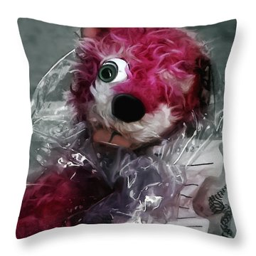 Pink Teddy Bear In Evidence Bag @ Tv Serie Breaking Bad Throw Pillow