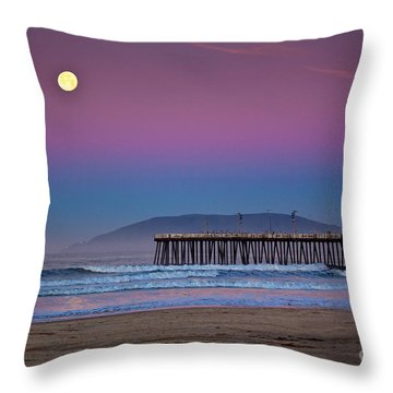 Pismo Beach Moonset At Sunrise Throw Pillow