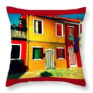 Pittoresco Villaggio Throw Pillow