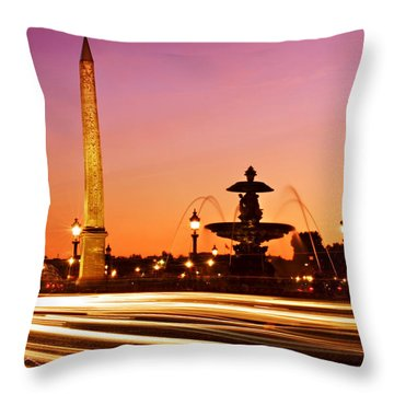 Place De La Concorde At Night / Paris Throw Pillow
