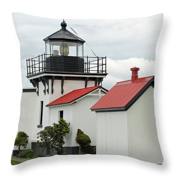 Throw Pillow featuring the photograph Point No Point Lighthouse by E Faithe Lester