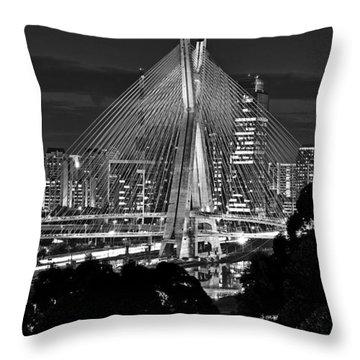 Sao Paulo - Ponte Octavio Frias De Oliveira By Night In Black And White Throw Pillow