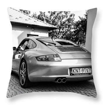 Porsche 911 Carrera 4s Throw Pillow