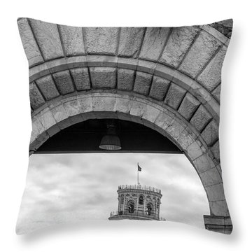 Porta Di Pisa Throw Pillow