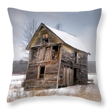 Portrait Of An Old Shack - Agriculural Buildings And Barns Throw Pillow by Gary Heller