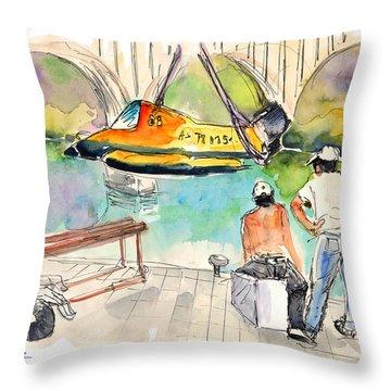Power Boats World Championship In Barca De Alva 01 Throw Pillow