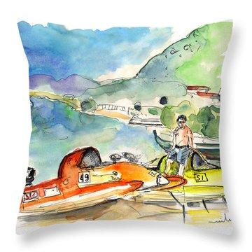 Power Boats World Championship In Barca De Alva 04 Throw Pillow