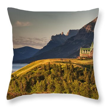 Prince Of Wales Sunrise Throw Pillow