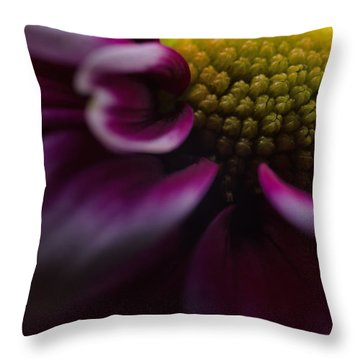 Purple Mum Macro Throw Pillow