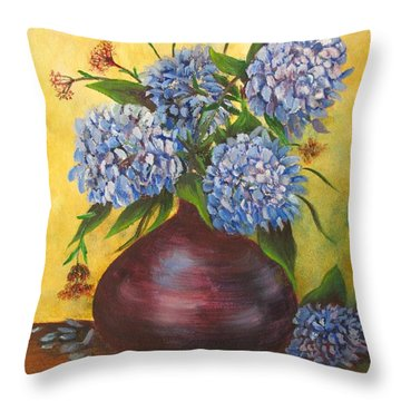 Queens Of Summer Throw Pillow by Loretta Luglio