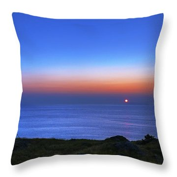Quiet Morning.. Throw Pillow