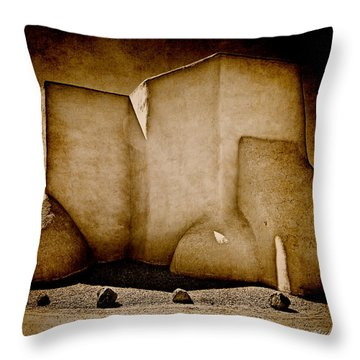 Ranchos Church Xx Throw Pillow