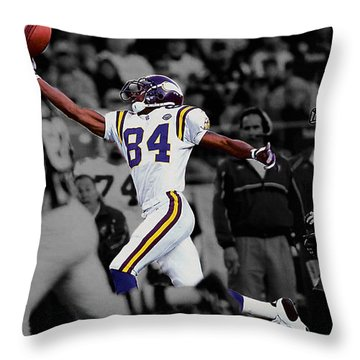 Randy Moss Throw Pillow by Brian Reaves