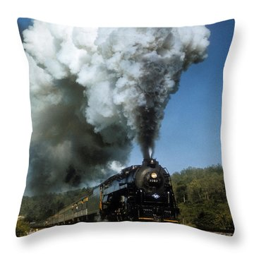 Reading 2102 In Virginia Throw Pillow
