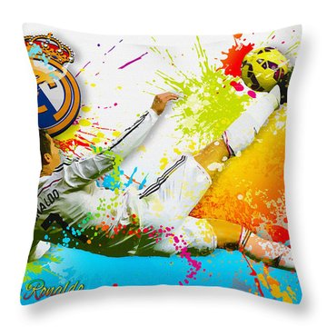 Real Madrid - Cr Throw Pillow