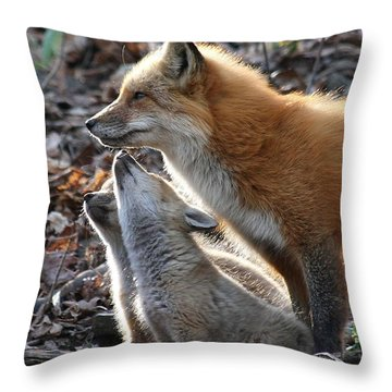 Red Fox With Kits Throw Pillow
