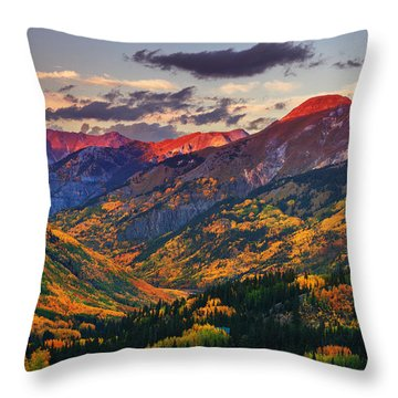 Red Mountain Pass Sunset Throw Pillow