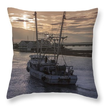 Red Sky At Night Throw Pillow by Photographic Arts And Design Studio