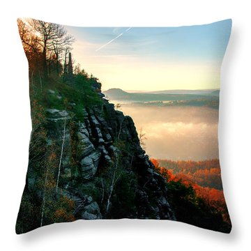 Red Sun Rays On The Lilienstein Throw Pillow
