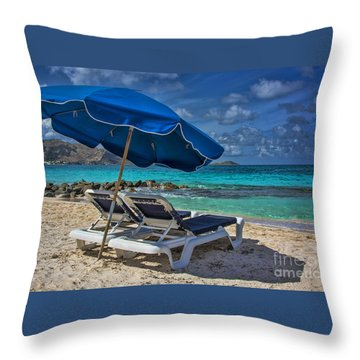 Relaxing In St Maarten Throw Pillow