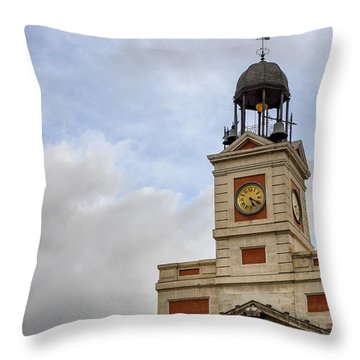 Reloj De Gobernacion 1 Throw Pillow