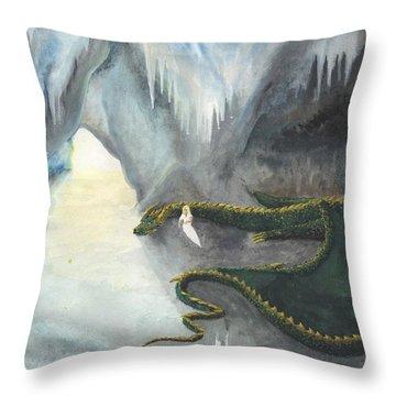 Repos Avec Un Dragon Throw Pillow