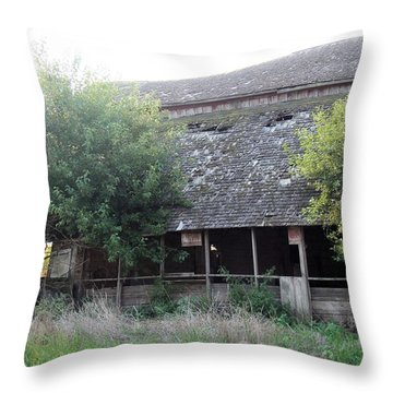 Throw Pillow featuring the photograph Retired Barn by Bonfire Photography