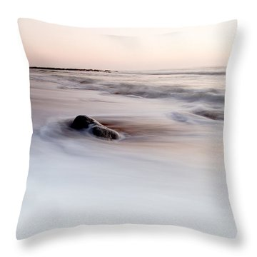Return Throw Pillow by Edgar Laureano