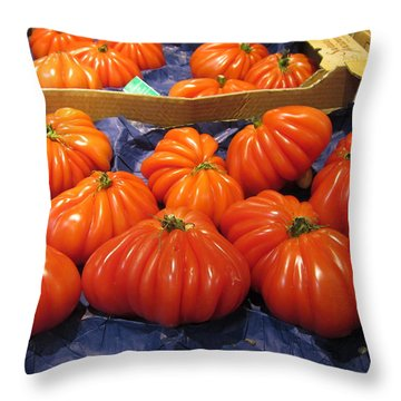 Ribbed Tomatoes Throw Pillow