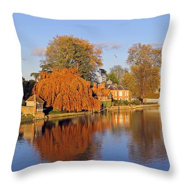 River Thames At Marlow Throw Pillow