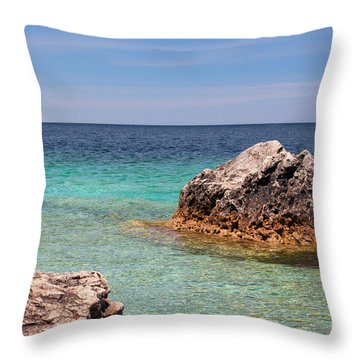Rocky Shoals Of Tobermory Throw Pillow